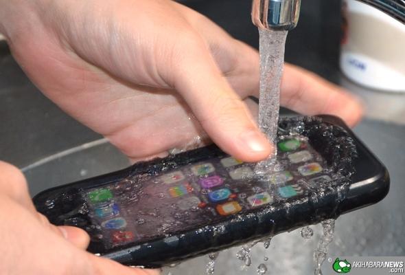 日本推出 IP68 防水防震 iPhone 6 保護殼
