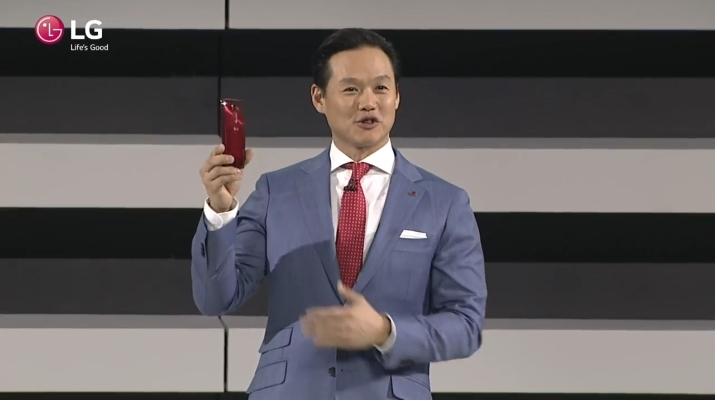 紅色快 3 倍?LG 推出二代曲面手機 G Flex 2
