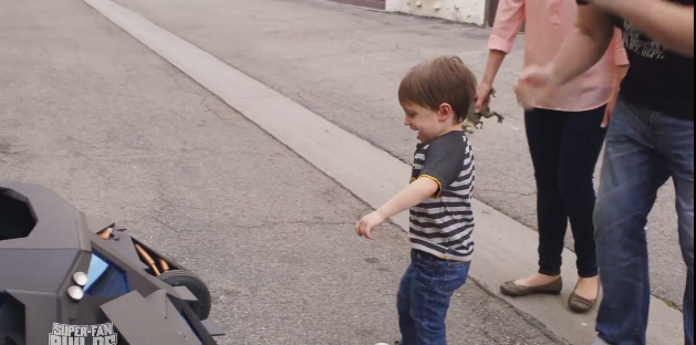 2015-01-20 15_05_24-Prepare To Be Insanely Jealous Of This Toddler's Batmobile Stroller