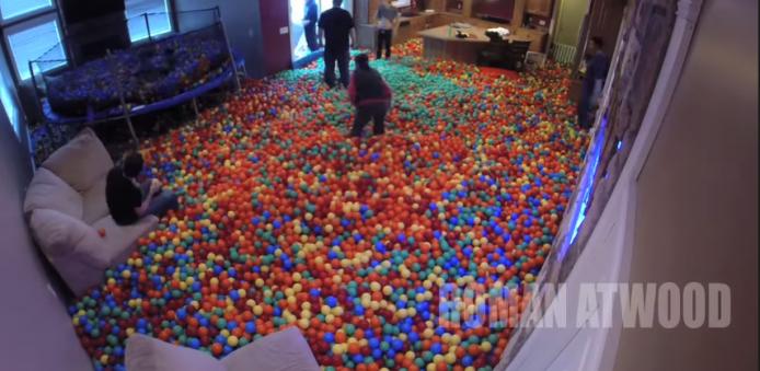 2015-01-22 17_41_55-Crazy Plastic Ball PRANK!! - YouTube