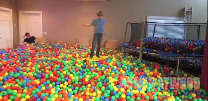 2015-01-22 17_43_18-Crazy Plastic Ball PRANK!! - YouTube
