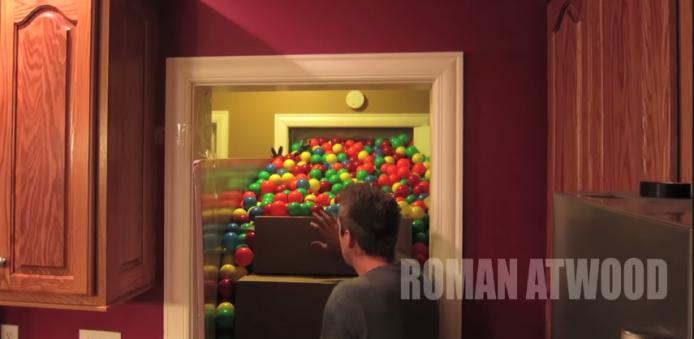 2015-01-22 17_44_18-Crazy Plastic Ball PRANK!! - YouTube