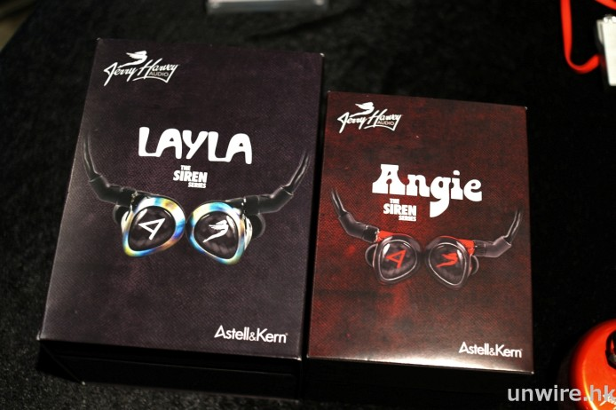 Sirens-Layla-&-Angie