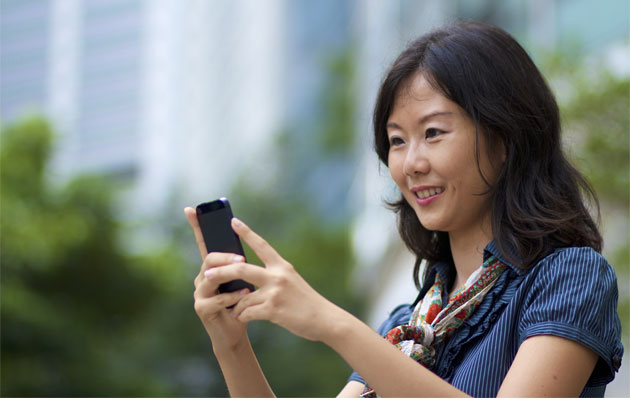Smart-phone-overuse-can-harm-your-back-hand-and-neck