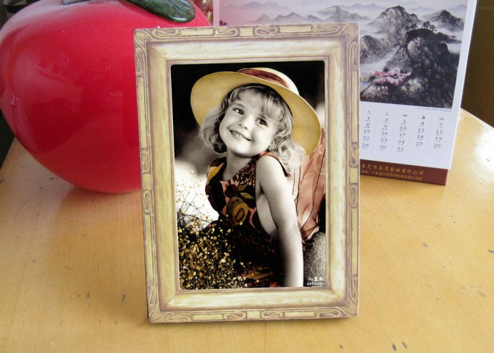 pl645489-office_family_magnet_photo_frame_set_with_synthetic_paper_and_epoxy