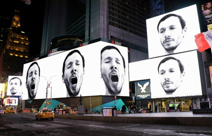 sebastian-errazuriz-yawning-new-york-times-square-designboom-05