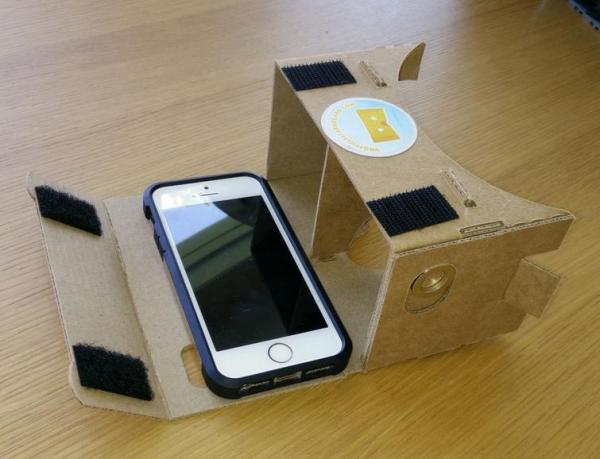 去年 Google 在 Google I/O 贈送的 Google Cardboard