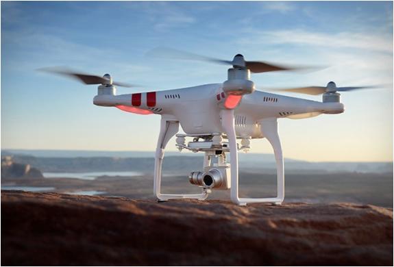事件中所使用的 DJI Phantom 2 無人機
