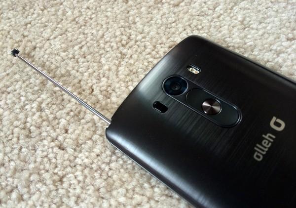 韓國版 LG G3 機背左上角設有電視天線