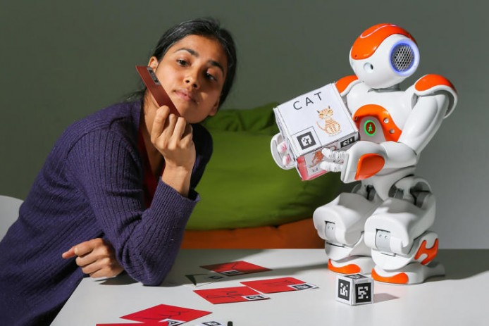 3043445-slide-s-1-this-little-classroom-robot-helps-kids