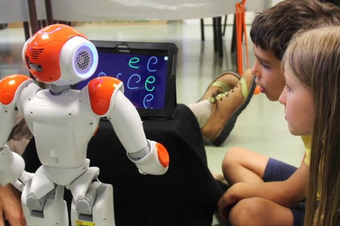 3043445-slide-s-10-this-little-classroom-robot-helps-kids