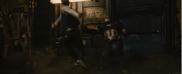 快銀跟美國隊長的戰鬥畫面。