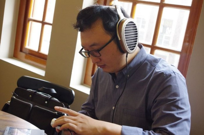 hifiman's CEO Dr Fang Bian with new products-1