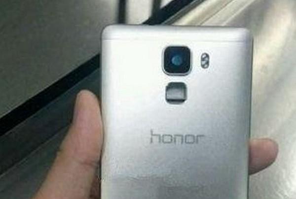 機背式指紋感應器確認!Huawei Honor 7 Plus 實機圖再曝光