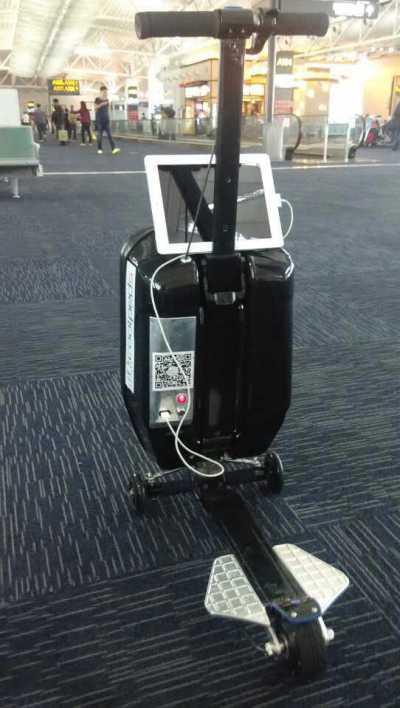 去旅行不再辛苦!Coolpeds 智能行李喼可變身電動滑板代步