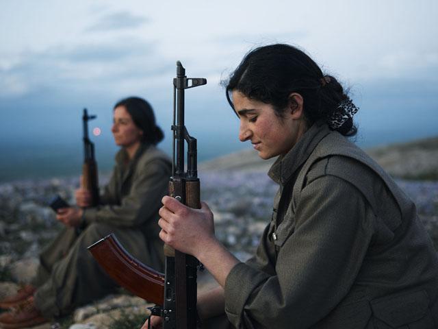 Gulbehar-PKK-Kurdistan-Workers-Party-Makhmour-Iraq-Guerrilla_Fighters_of_Kurdistan_Joey_L_Photographer_018