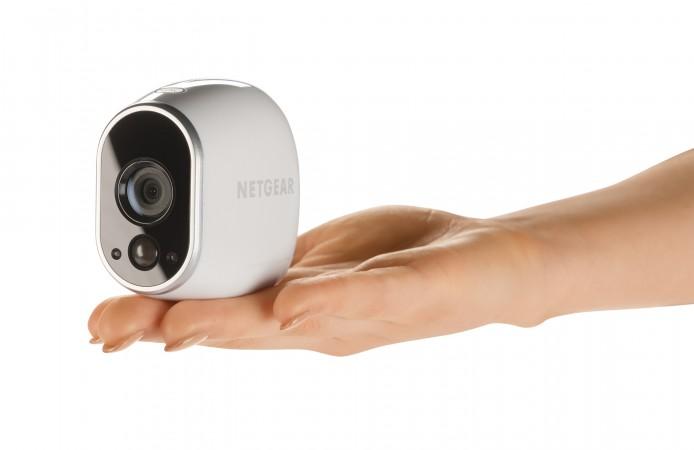 NETGEAR Arlo VMC3030_Hand_Balancing_Camera_Left_Transparent