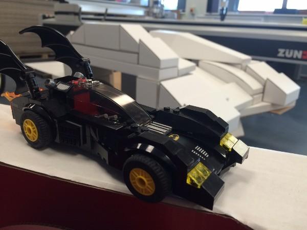 LEGO 蝙蝠車模型實物