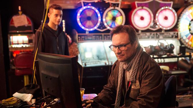 "MR. ROBOT -- ""Pilot"" Episode 101 -- Pictured: (l-r) Rami Malek as Elliot, Christian Slater as Mr. Robot -- (Photo by: David Giesbrecht/USA Network)"