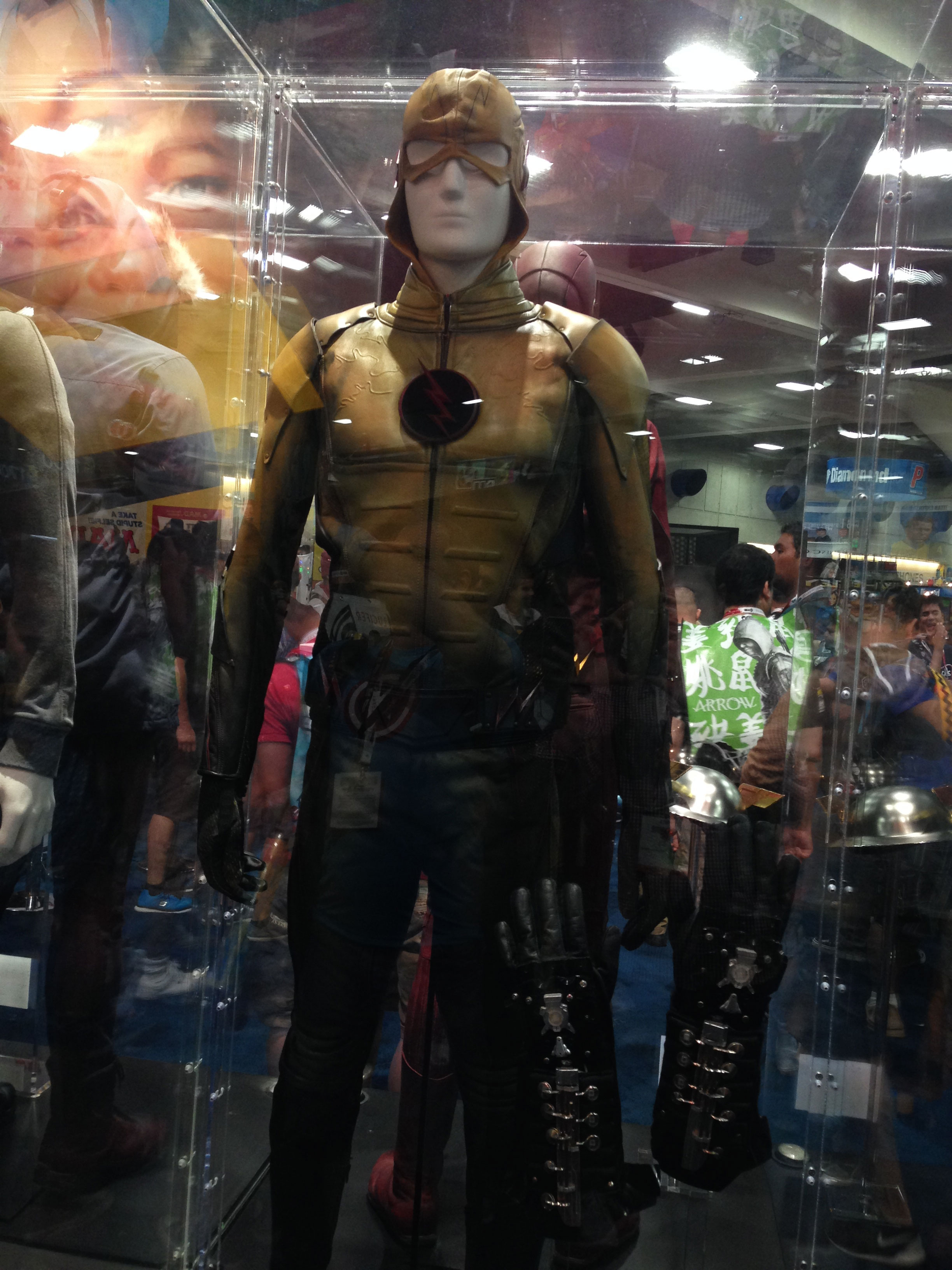 《閃電俠》 The Flash 戰服於聖地牙哥動漫展展出! 香港 Unwire Hk 玩生活.樂科技