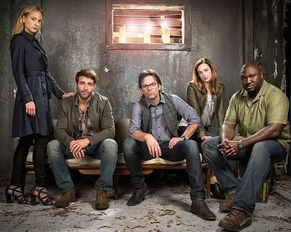 zoo-tv-series-cast-600x477