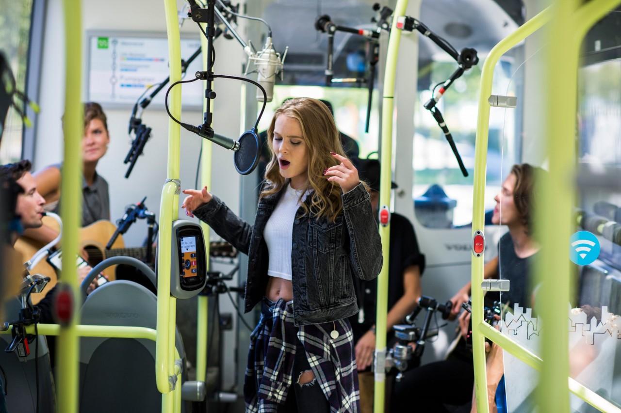 瑞典電動巴士 寧靜到可以流動錄歌