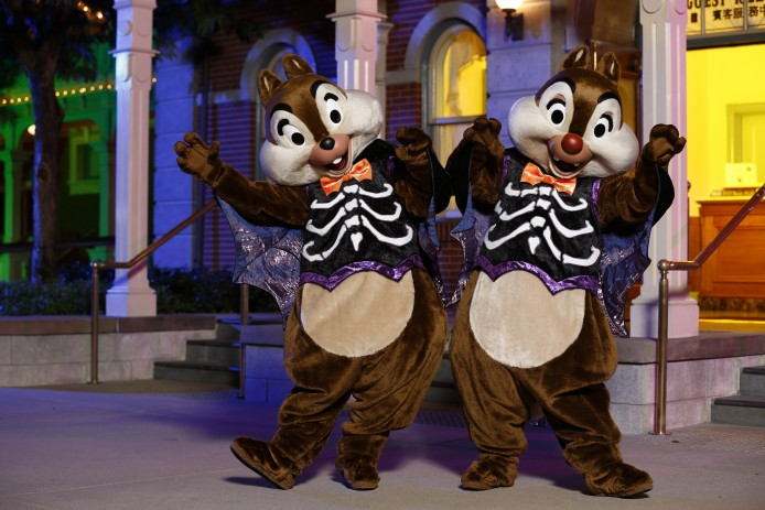 Disney Haunted Halloween_Characters Meet and Greet_Chip and Dale