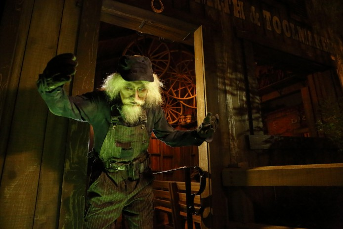Disney Haunted Halloween_Grizzly Gulch_Engineer
