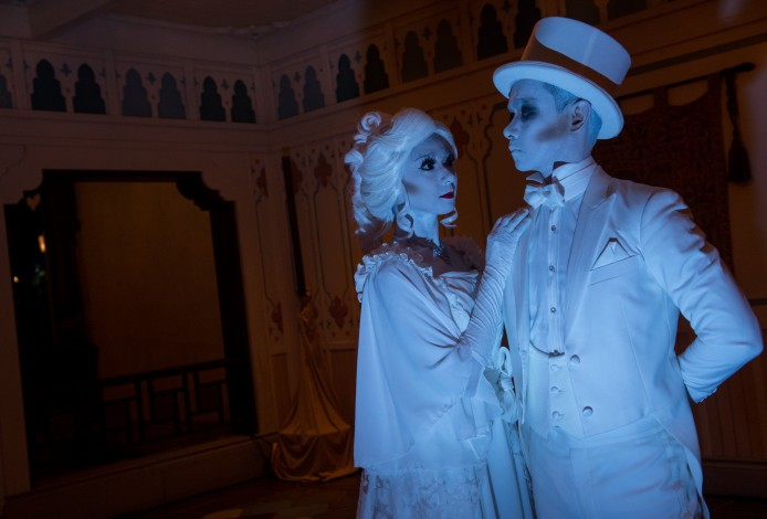 Disney Haunted Halloween_Mystic Point_Cycle of the Spirits_Dancing Couple_2