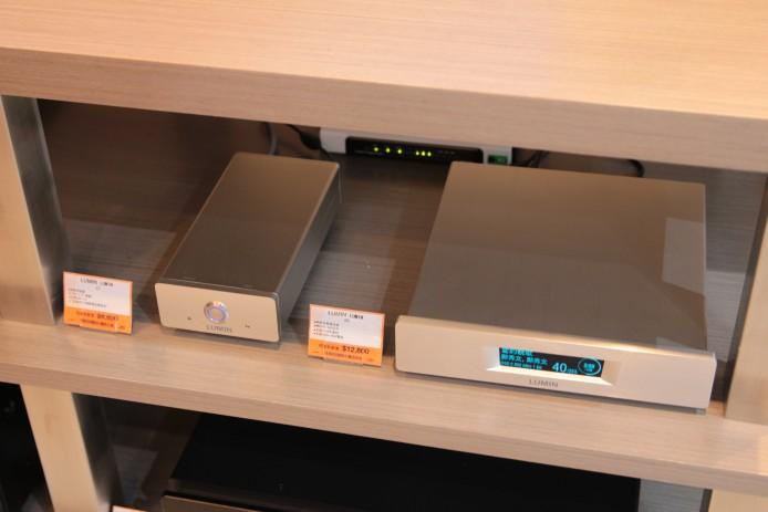 另設有本地品牌 Lumin D1 網絡音樂串流播放器,配合 Primare i22 合併擴音機及 LS50 喇叭,想認識點樣透過網絡享受音樂?這套組合就幫到你啦。