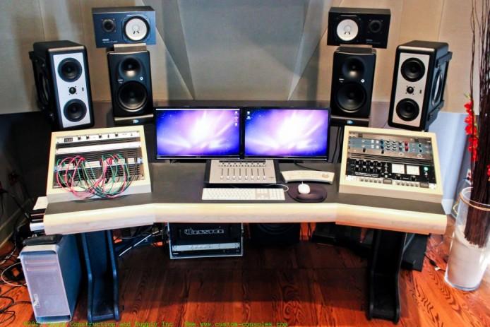 Mastering_Desk