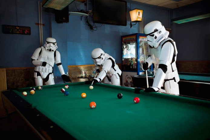PAY-Stormtroopers-shooting-some-pool