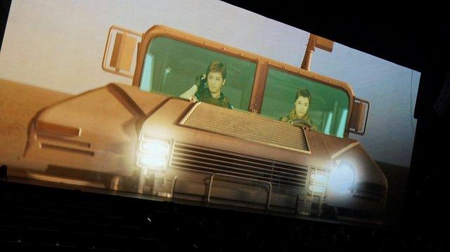 螢幕投射揸車場面效果確實有點怪