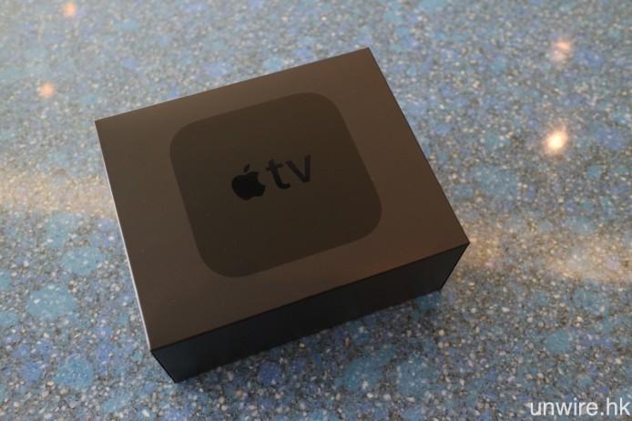 新版 Apple TV 改用全黑色長方型包裝盒。