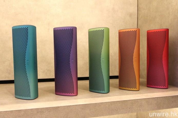 而在 London Design Festival 2015 聯同 Muon 展出的彩色光譜別注版 MUO,未來亦會在港發售。