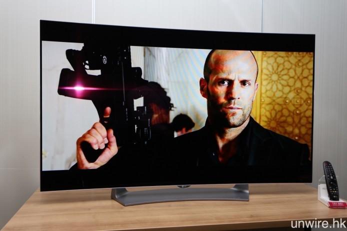 同場亦發布全高清型號 OLED TV 55EG9100,定價為 $28,880,但看過支援 HDR 的 4K UHD 型號之後,這款機種的吸引力就大打折扣了。