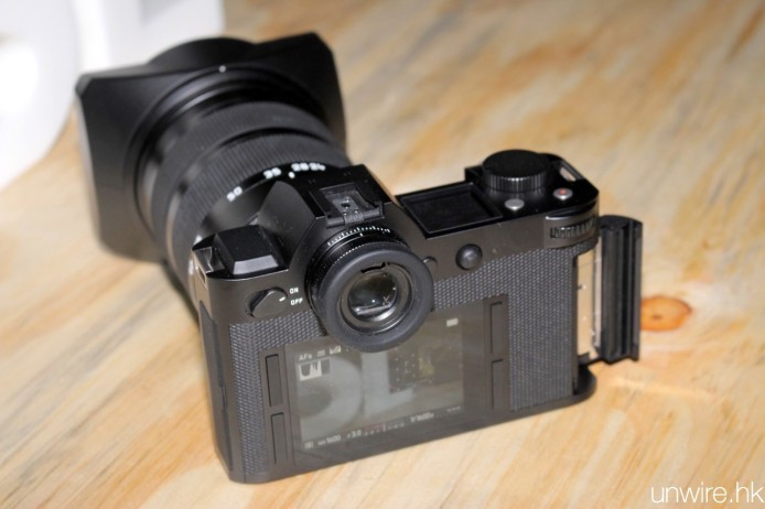 NOV17-Vertu+Leica99
