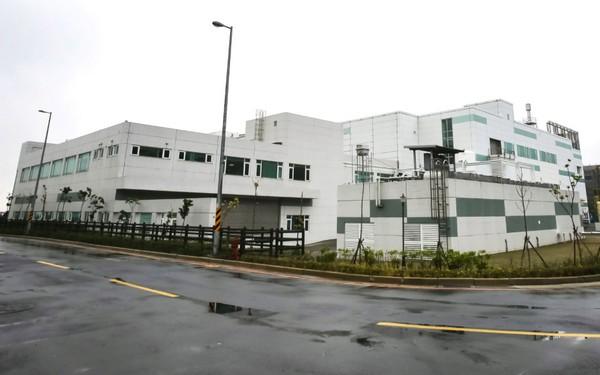 毫不起眼的廠房原來是 Apple 螢幕研究基地