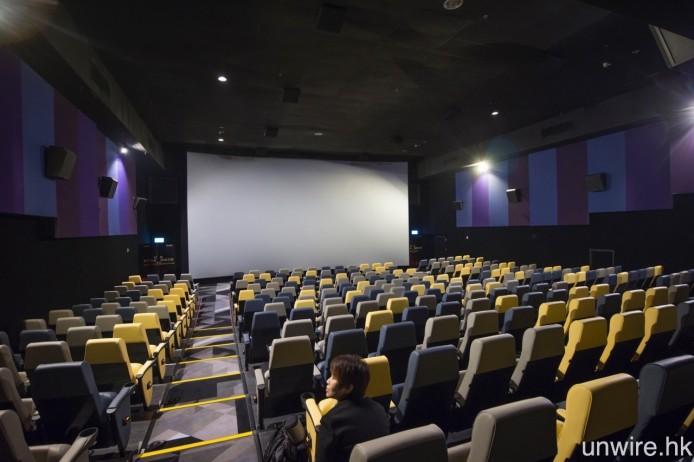 4 號院為最大影院,共提供 339 個 2D 座位,3D 座位則為 317 個。