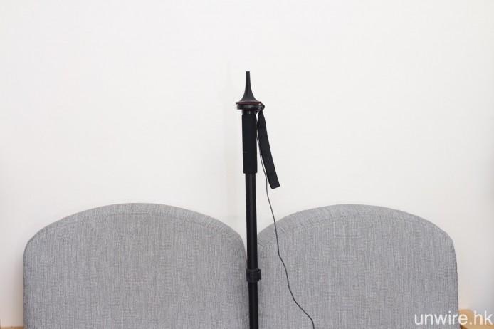建議放置在聆聽位置時,高度需為耳水平。