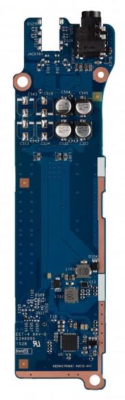 聲音及電源線路底板再分為上下兩段,兩者有明顯的距離,減少雜訊干擾。