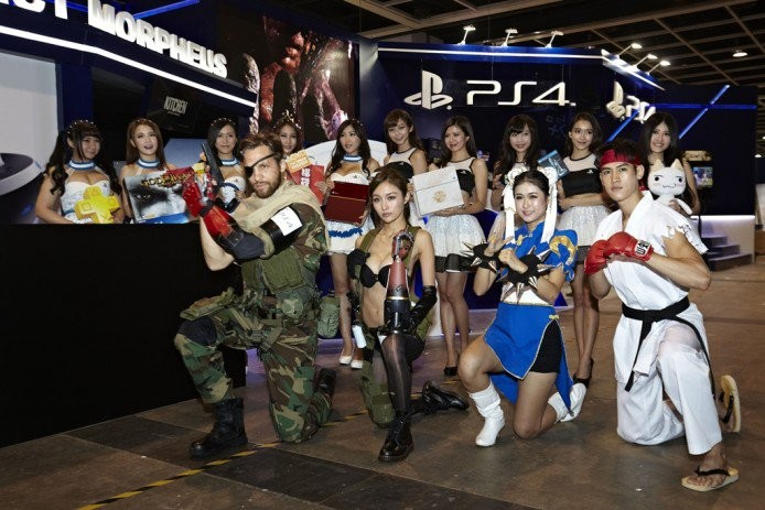 PlayStation-booth-at-ACG_1-694x463