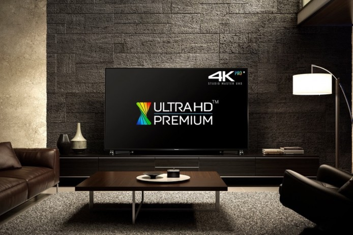 Panasonic DX900 Ultra HD 4K 電視,就是其中一款率先獲 Ultra HD Premium 認證的產品。