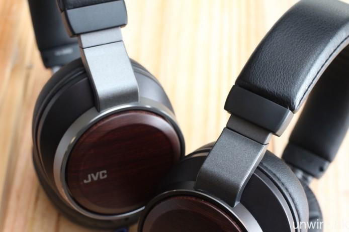 外觀上,HA-SW01(右)及 HA-SW02(左)最大分別是機架及耳機線顏色,前者為深灰,後者則為淺灰。