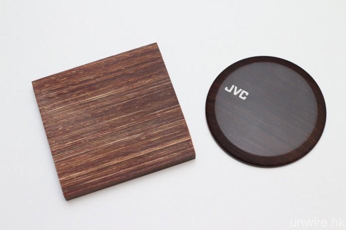 兩者外殼均用上多重複合原木製成。
