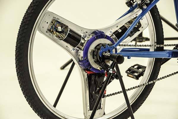 centinel_smart_electric_bicycle_wheel_turns_your_bike_into_ebike_2