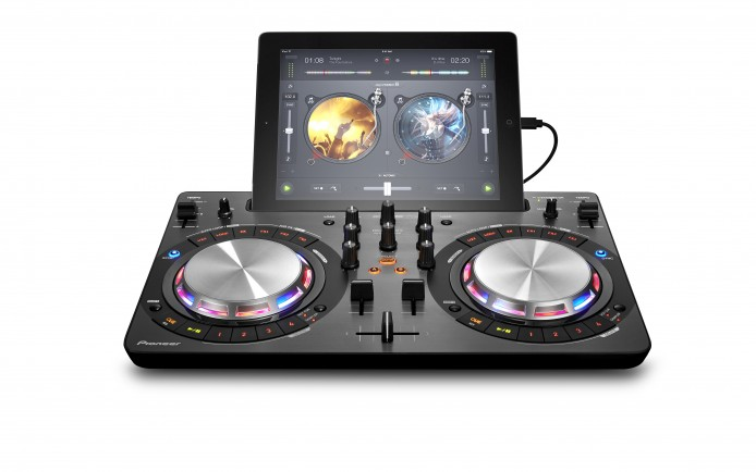 ddj-wego3_black_front_ipad_whitebg