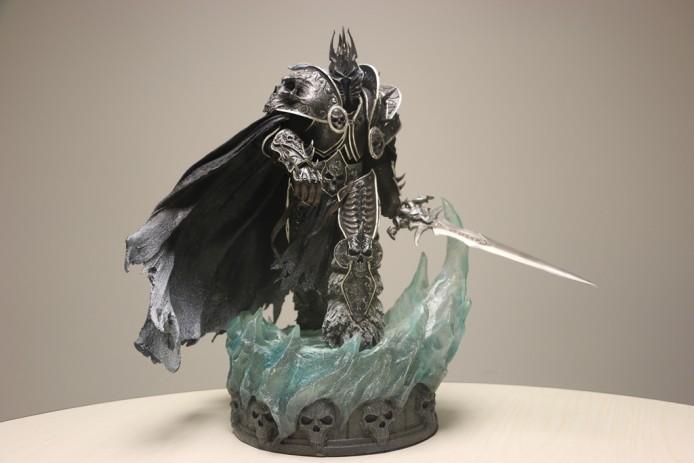 幸運玩家有機會從Blizzard扭蛋機中扭出彩蛋大獎 ─ 市價逾萬元的Sideshow Collectibles阿薩斯雕像