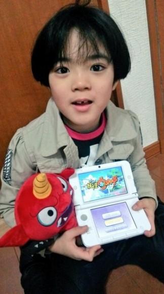 事後小朋友終於收到修理好的 3DS