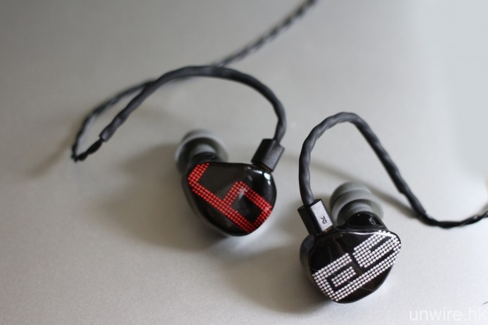 EarSonics_01